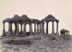 [Ruins near the tomb of Mangrole Shah, Somnath (Patan).]